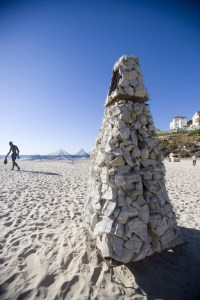 The Cairn was conceived to mark the notional focal point of Tamarama, but also as a marker for the horizon and sky.