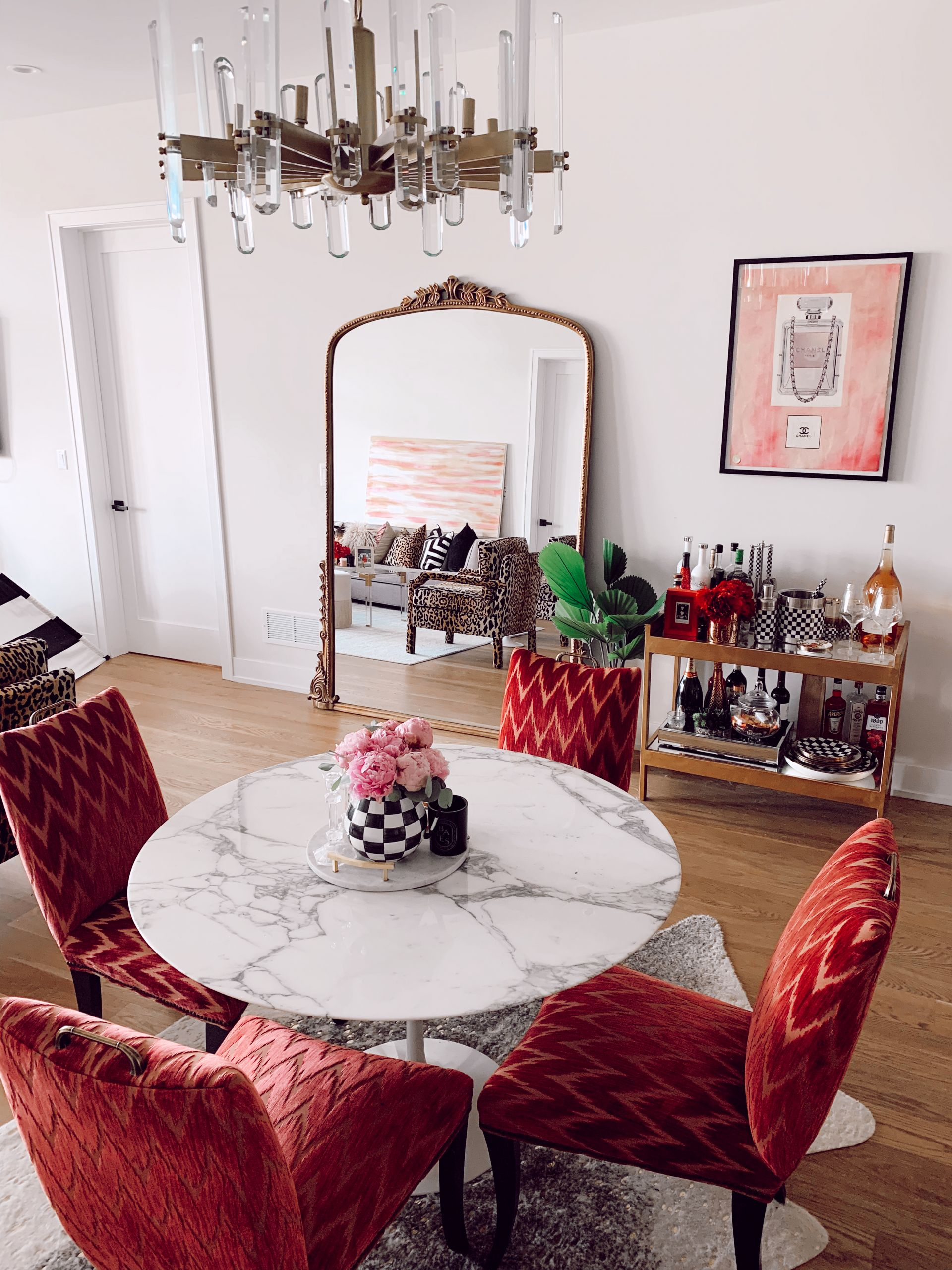 Glam Dining Room Red Soles And Red Wine