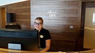 Spa-Butler Marie-Therese empfiehlt das individuell zugeschnittene Treatment.