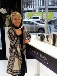 Susanne Stoll, Chefredakteurin des Fachmagazins INSIDE beauty, ist Mitglied der Jury für die Duftstars
