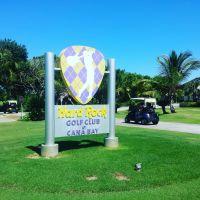 Nicht nur Rockstars können hier abschlagen. Und statt einer Gitarre nimmt man besser einen klassischen Schläger ... Die Internationale Vereinigung der Golf Tour Operators hat die DomRep 2016 zur besten Golfregion der Karibik und Lateinamerikas ernannt.