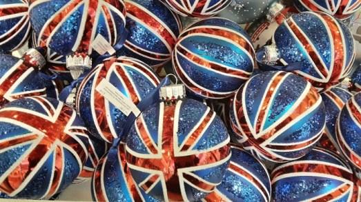 Auch im Oktober kann man in Londons Läden schon in Weihnachtsstimmung kommen