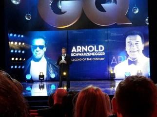 """Der Award """"Legend of the Century """" ging an Arnold Schwarzenegger, der eine beeindruckende Rede hielt und dazu aufforderte, sich zu engagieren."""