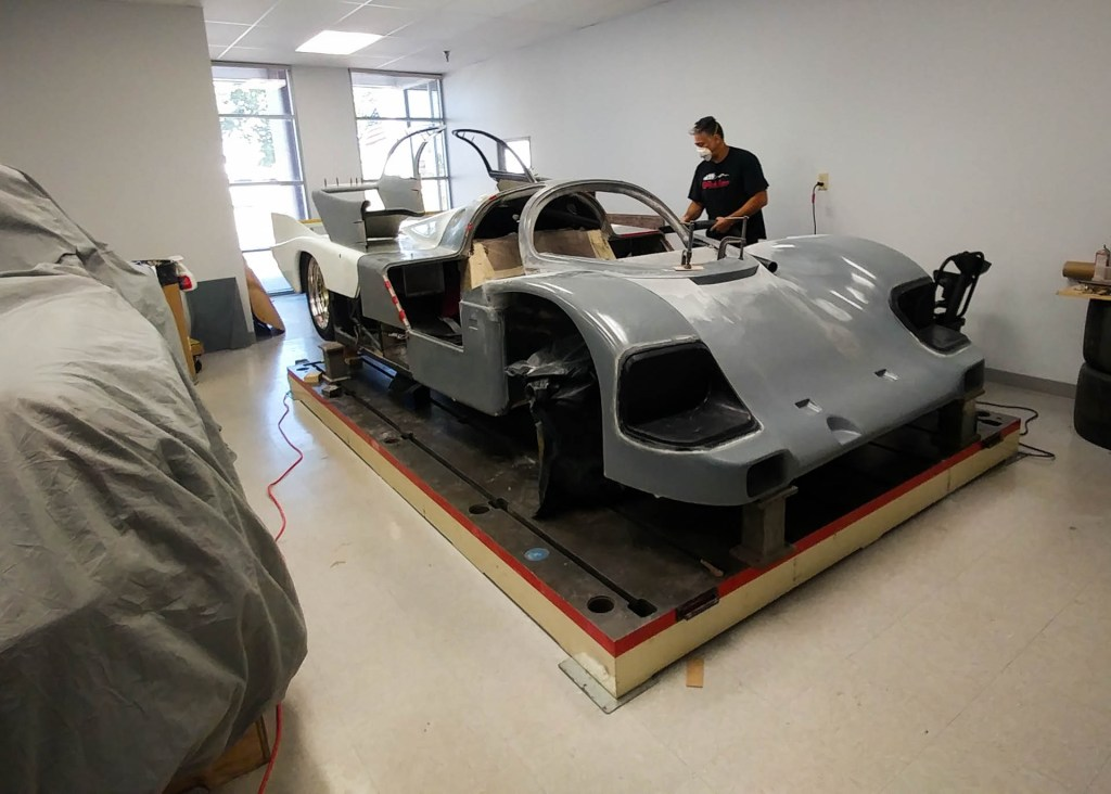 porsche 962 fiberglass body fitting