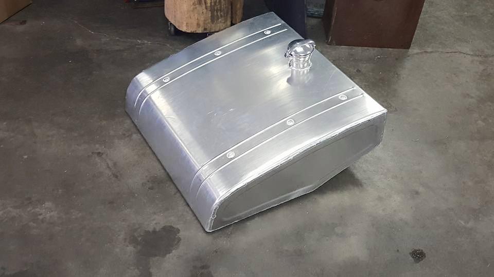 porsche spider fuel tank