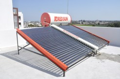 Solar water heater of capacity 750 ltr per day with manifold.