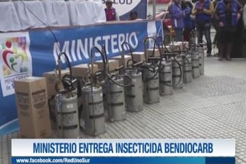 MINISTRO ENTREGA INSECTICIDA BENDIOCARB