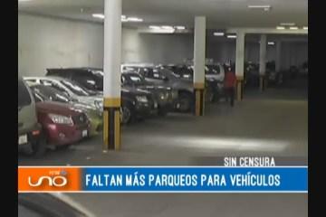 SIN CENSURA: CARENCIA DE PARQUEOS VEHICULARES
