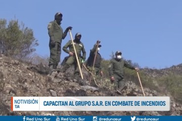 CAPACITAN AL GRUPO S.A.R. EN COMBATE DE INCENDIOS