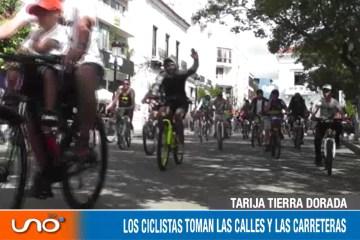LAS BICICLETAS TOMAN LAS CALLES Y LAS CARRETERAS