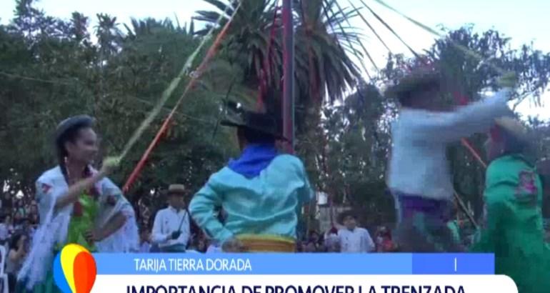 TIERRA DORADA: LAS TRENZADAS, UNA COSTUMBRE QUE PERDURA