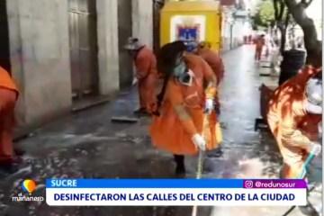 DESINFECTARON LAS CALLES DEL CENTRO DE LA CIUDAD
