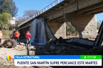 VIGA QUE TRANSPORTABA AGUA CAYÓ EN EL PUENTE SAN MARTÍN