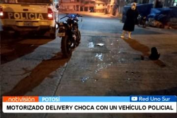 MOTO DE DELIVERY CHOCA CON UN VEHÍCULO POLICIAL