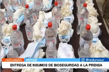 ENTREGA DE INSUMOS DE BIOSEGURIDAD A LA PRENSA