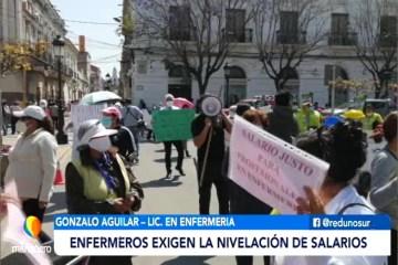 ENFERMEROS EXIGEN LA NIVELACIÓN DE SALARIOS