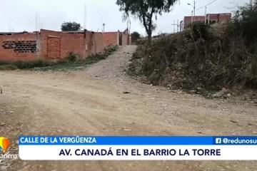CALLES DETERIORADAS EN LA AVENIDA CANADÁ EN EL BARRIO LA TORRE