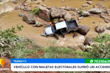 VEHÍCULO CON MALETAS ELECTORALES SUFRIÓ UN ACCIDENTE