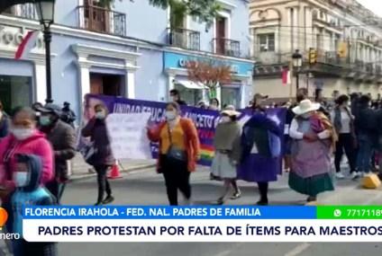 PADRES PROTESTAN POR FALTA DE ÍTEMS PARA MAESTROS