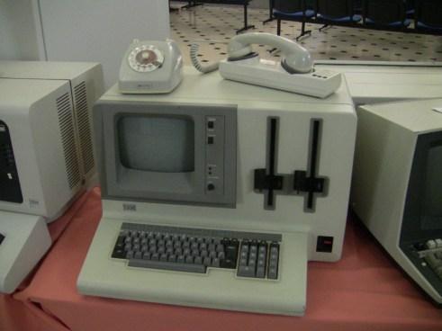 Resultado de imagen para modem teléfono viejo