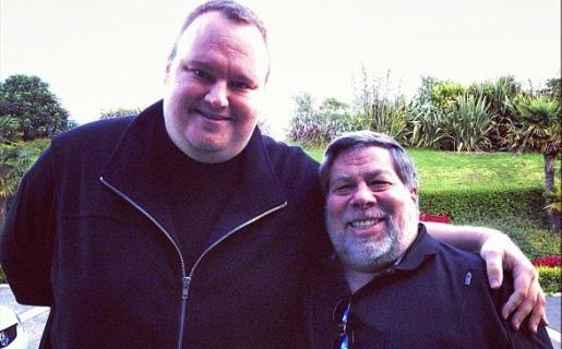 DotCom y Wozniak, en la mansión Megaupload de Nueva Zelanda (Fuente: Instagram de DotCom)
