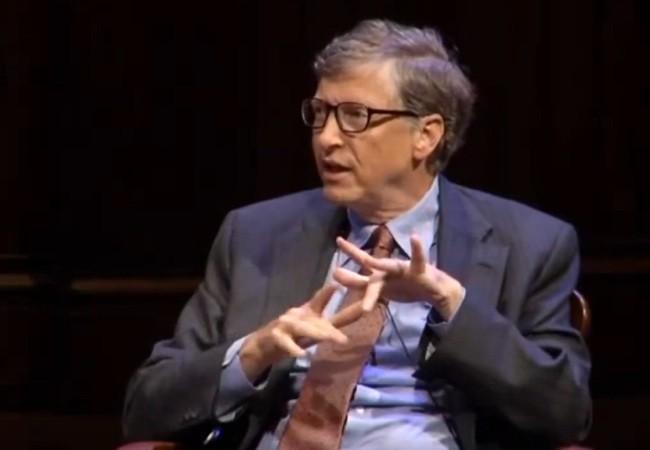 Gates quería que el sistema funcionara con un solo botón, pero el diseño de IBM no lo incluyó.
