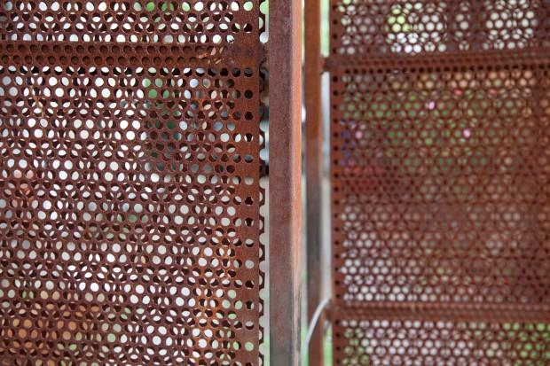Perforated Planar Gate REDUXindustry