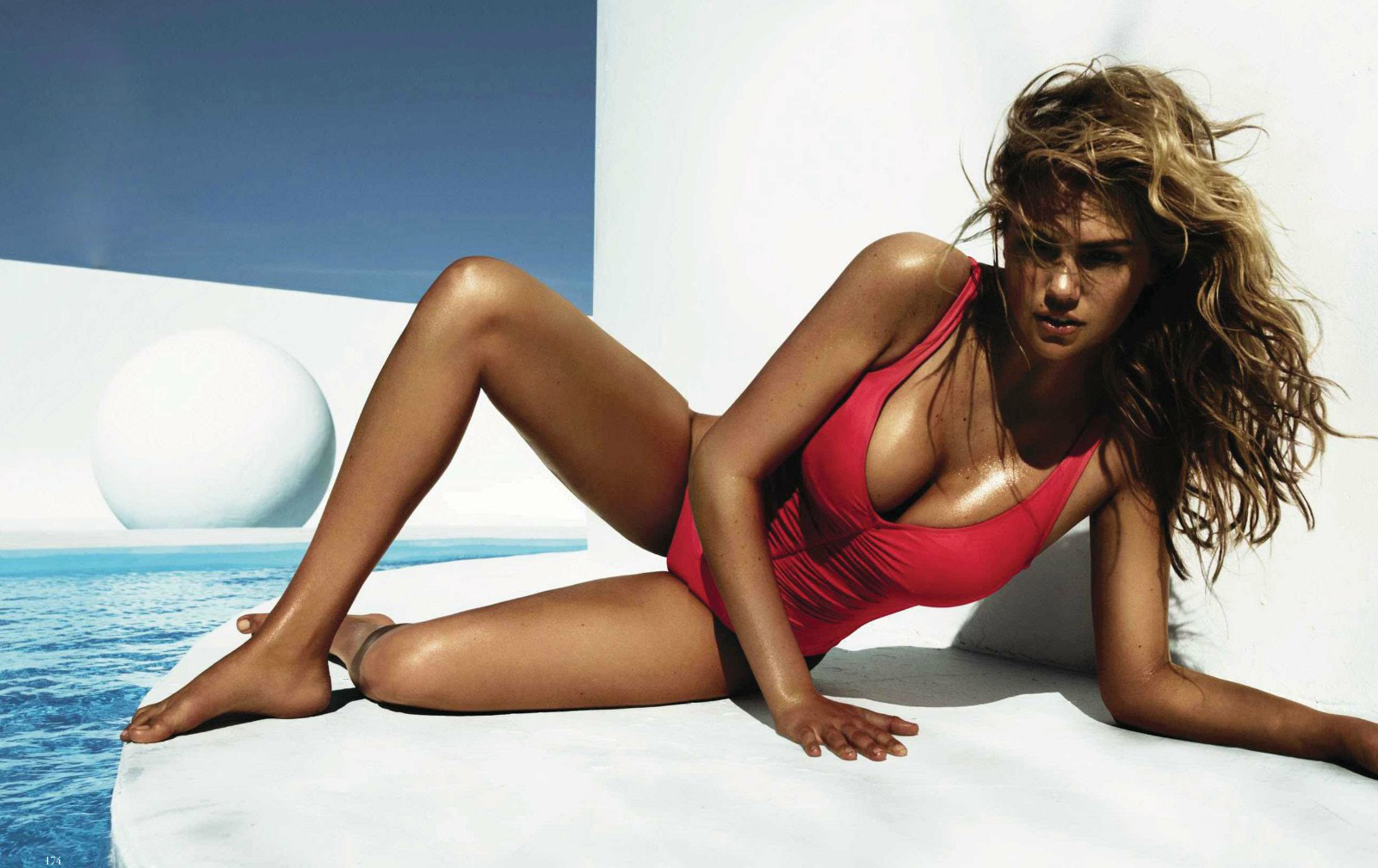 kate-upton-vogue-spain-july-2012-005