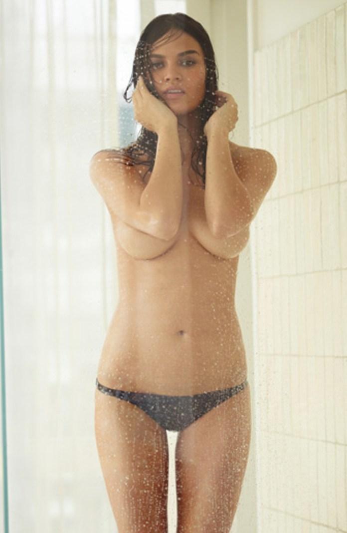 Chrissy Teigen 23