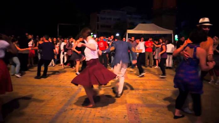 swing party ermou 3