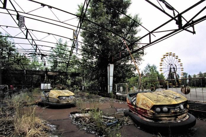 hayalet-sehir-pripiat-pripyat-carpisan-otolar (1024x683)