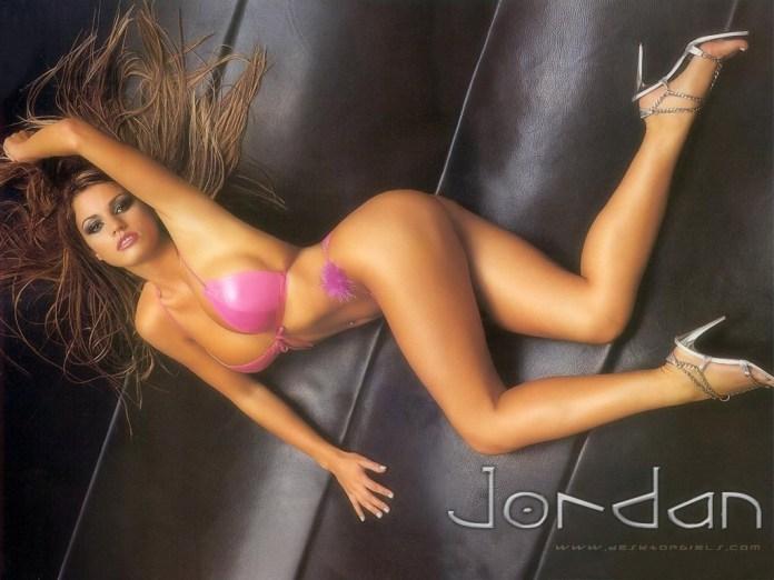 hd-wallpapers-katie-price-jordan-1024x768-wallpaper