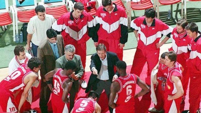 Σαν σήμερα,Ολυμπιακός - ΠΑΟ 73-38 ·