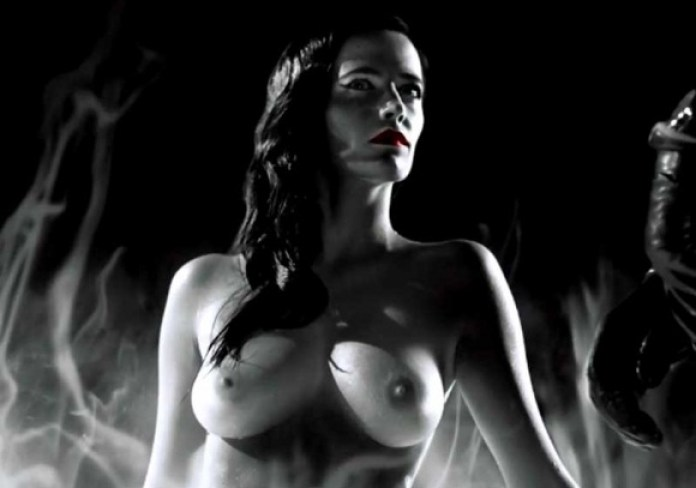 Eva-Green-Topless-in-Sin-City-A-Dame-to-Kill-For-01-580x435