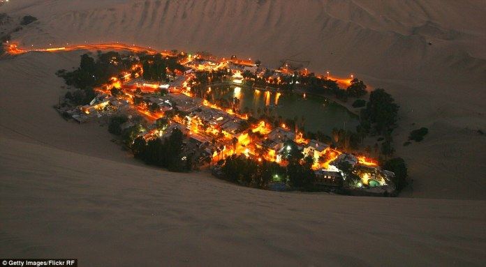 261345E400000578-2966798-Huacachina_at_night_-m-104_1424863478798