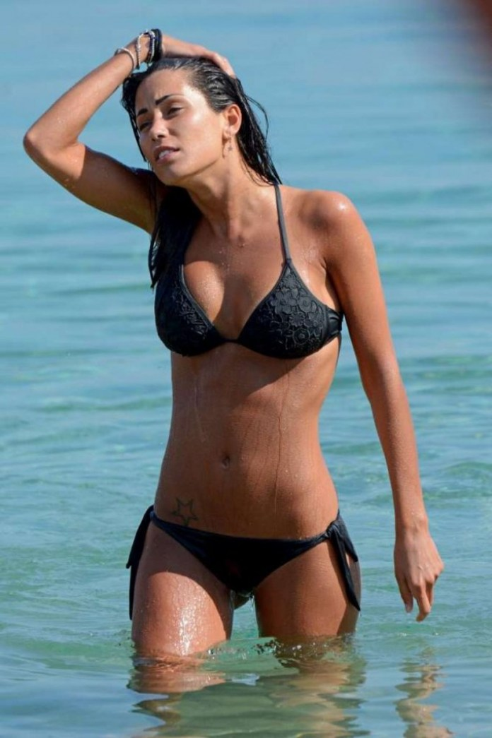 federica-nargi-in-black-bikini-at-a-beach-in-mykonos-06-13-2015_1 (1)