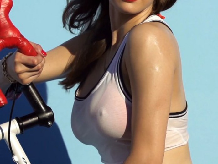 Alexandra-Daddario-in-GQ-Magazine-Shoot-BTS-06-580x435