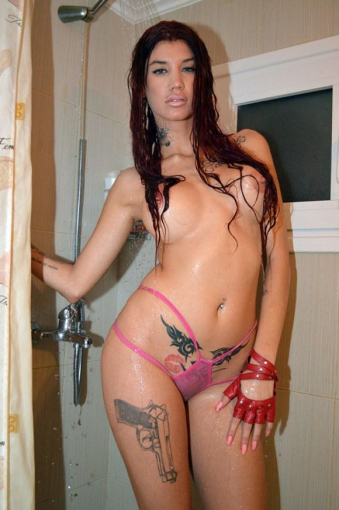 630_Maria-Alexandrou-Hot-Shower-Kanoni-Net-4