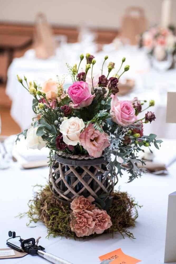 Wedding photography centerpiece flower details