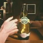 La main Perrier, oulala l'effet sur la bouteille