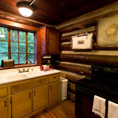 Reeb Ranch Cabin - Kitchen
