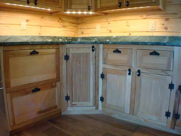 Handcrafted Soild Wood Hickory Kitchen Cabinets Bottom