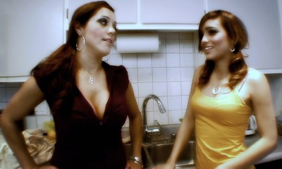 Francesca Le, Melanie Rios
