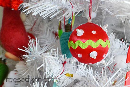 kitsch-ornament