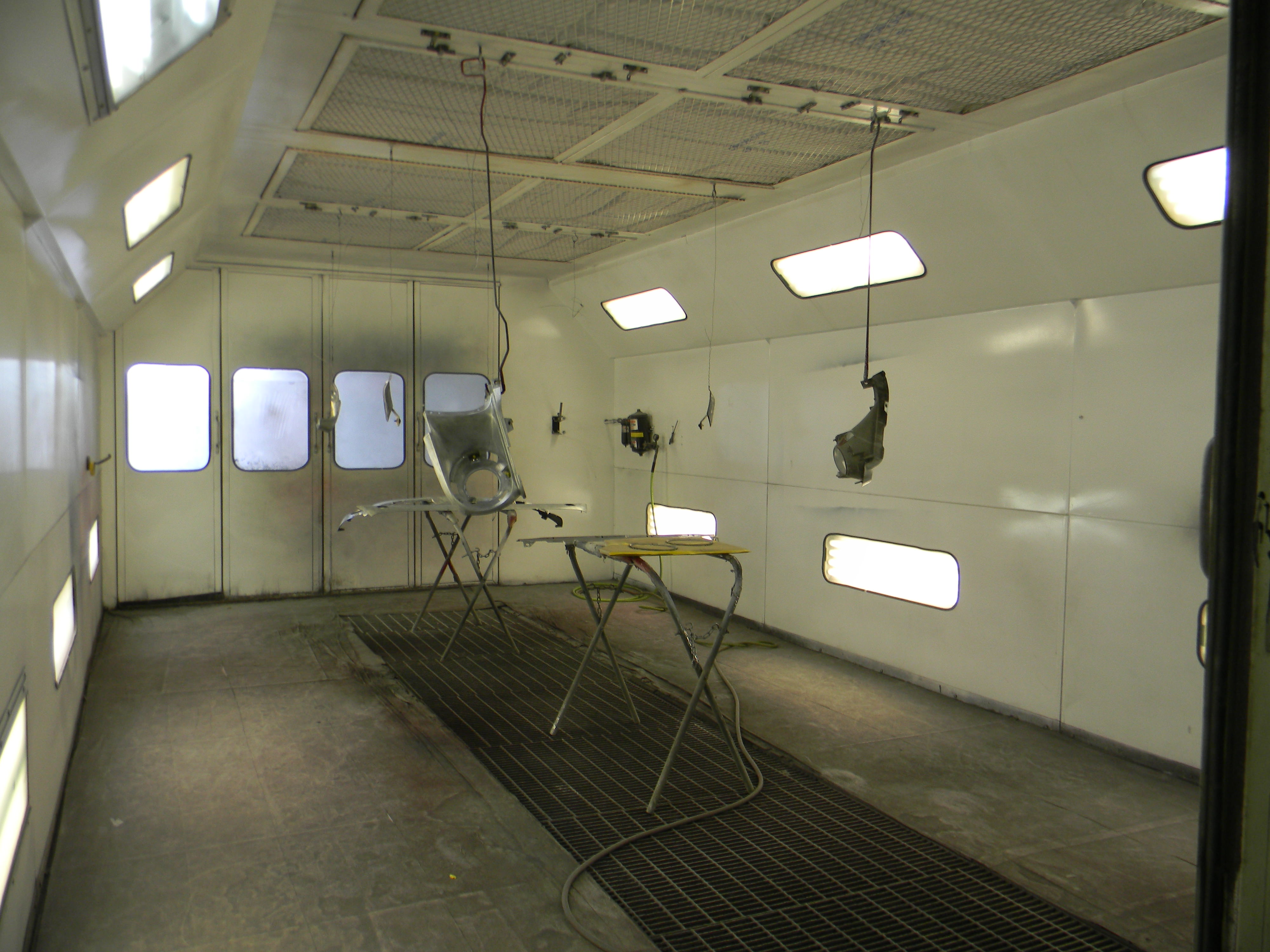 Reesman Body Shop-Vehicle Paint Booth