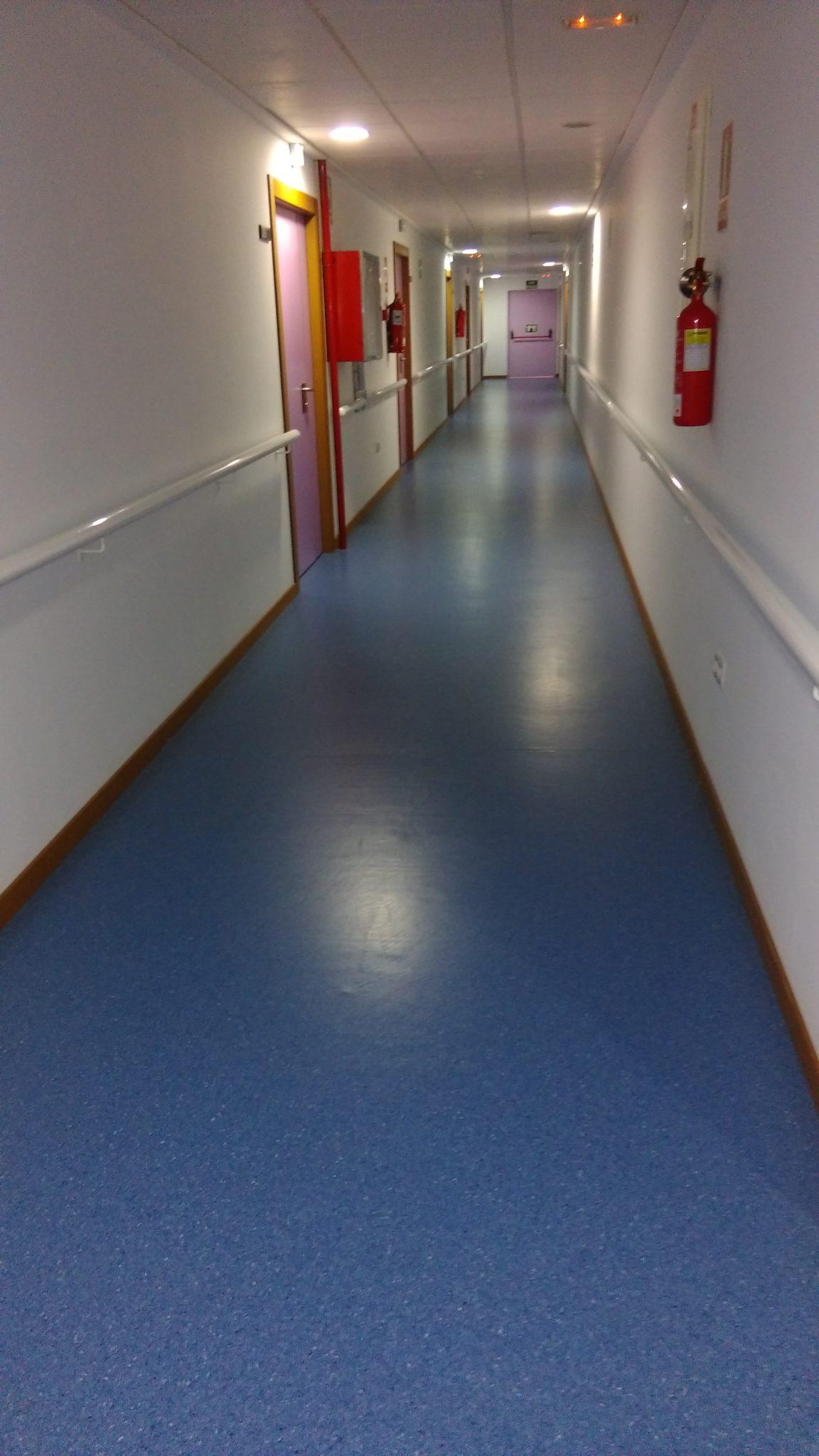 suelos vinilicos linoleum moquetas pavimentos de PVC