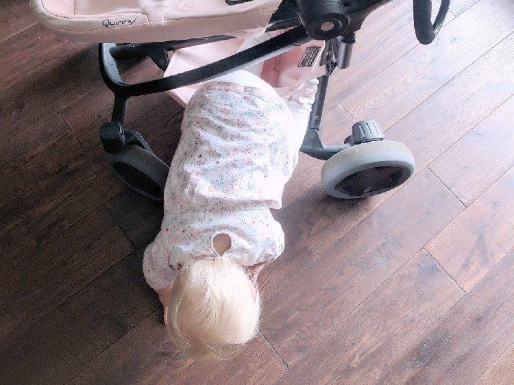 Quinny Zapp Flex Plus Review - Baby Climbing in Basket