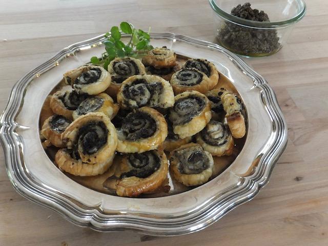 Butterdejsnegle med oliventapenade
