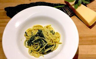 Pastasauce med palmekål og salvie