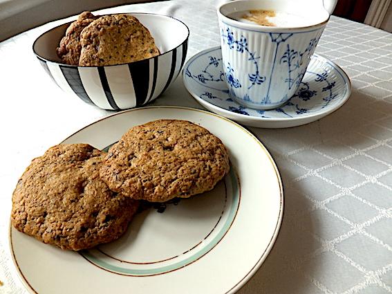 American cookies med nødder og chokolade